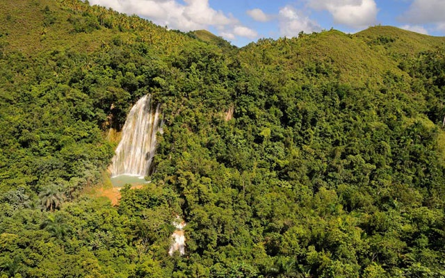 Best Day Trips in Samana to Waterfall Salto El Limon.